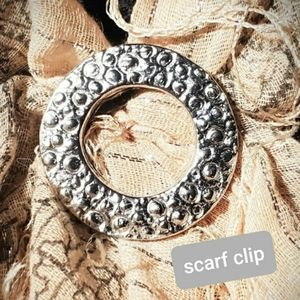 Scarf-clip Silver Tone Circle. Made in USA